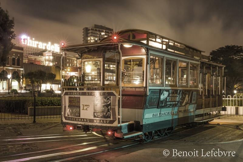 """Le fameux et toujours fonctionnel """"Cable car"""" de San-Francisco."""