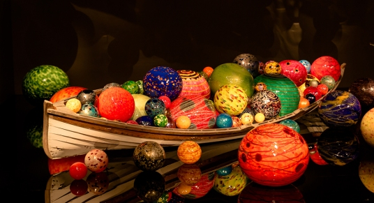 Chihuly-canoe